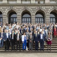Gründung der ersten Internationalen Mathematischen Union vor 100 Jahren – Der Weg von Politisierung zu echter Internationalität