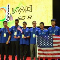 USA gewinnen Internationale Mathematik-Olympiade! Eine Goldmedaille an Jonas Walter (D)!