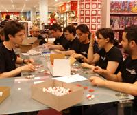 Freiwillige bauten 600-Zell im Berliner KaDeWe